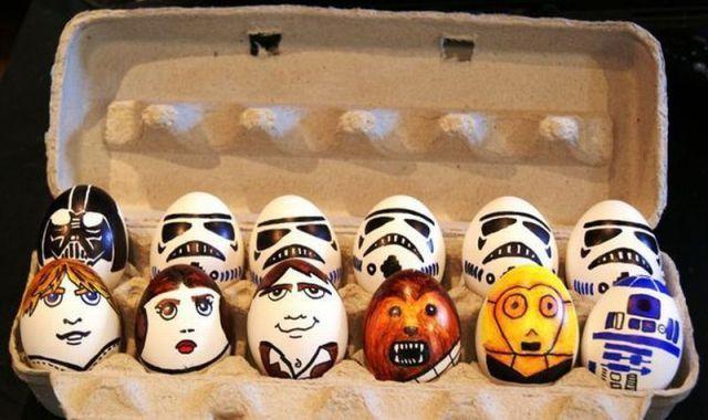 смешные идеи оформления пасхальных яиц
