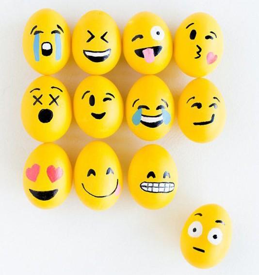 веселые пасхальные яйца